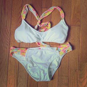 NWOT Victoria's Secret White Pineapple Bikini